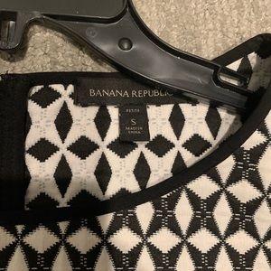 Banana Republic Tops - Banana Republic Black & White Crop Top